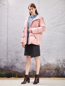 秋之恋品牌女装新款粉色短款羽绒服