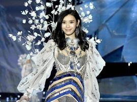 """那些被称为""""商品""""的中国模特"""