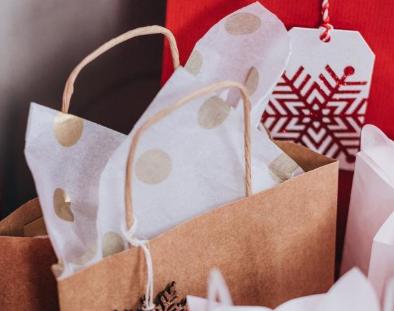 美国消费者信心上涨 今年岁末的购物季表现却非常亮眼