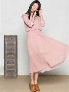 玛希露女装粉色七分袖连衣裙