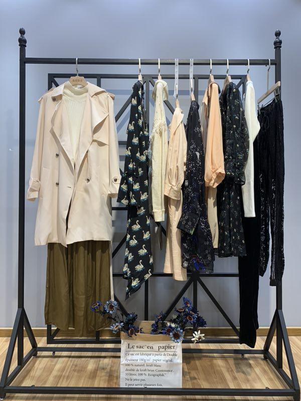 赫斯特品牌女装厂家库存一手货源批发