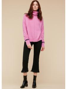 季候风女装粉色高领毛衣