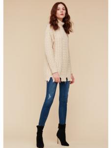 季候风女装米色毛衣