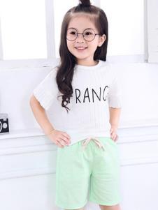 摩卡小寶童裝白色字母T恤