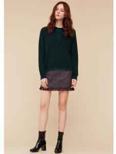 季候风女装绿色毛衣