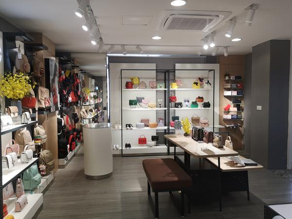 MUMGO木木果箱包加盟店店铺品牌旗舰店店面
