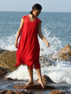 典禾女装红色V领连衣裙