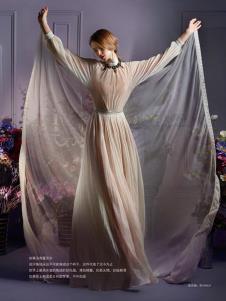 蕾沃尔女装杏色长款网纱连衣裙