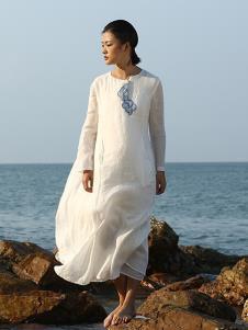 典禾女装白色网纱连衣裙