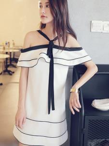 伊尚女装白色挂脖一字肩连衣裙