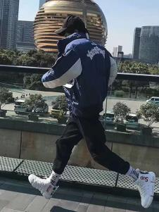 一个人的生活男装蓝色运动外套