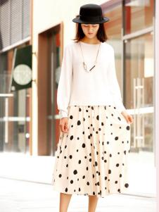 女装品牌zolle19新款波点半裙
