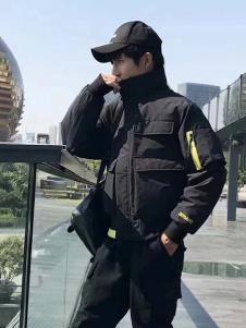 一个人的生活男装黑色高领棉衣