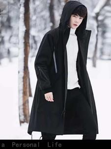 一个人的生活男装黑色长款时尚羽绒服