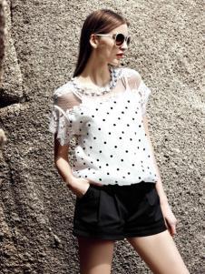 AQTWO女装白色圆点露肩T恤