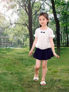妮可贝贝童装白色时尚套装