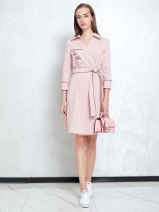 JAOBOO乔帛新款粉色连衣裙