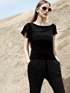 AQTWO女装黑色铆钉T恤