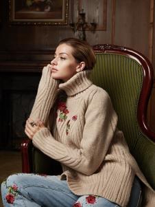 露维娅女装卡其色刺绣高领毛衣