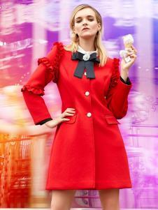 露维娅女装红色时尚大衣