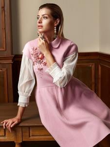 露维娅女装粉色绣花连衣裙