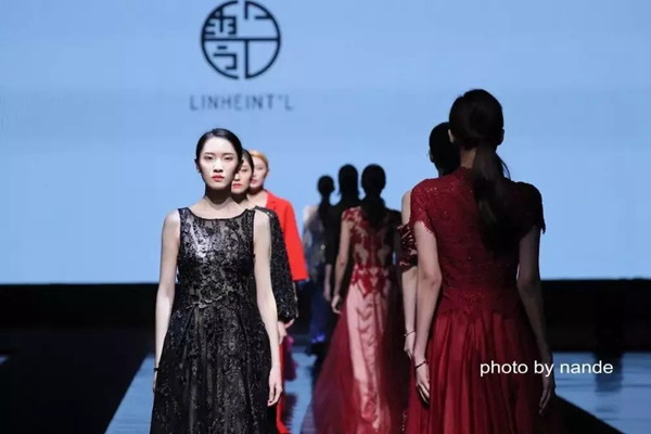 吕斌为大家带来了最新作品《古典复刻》