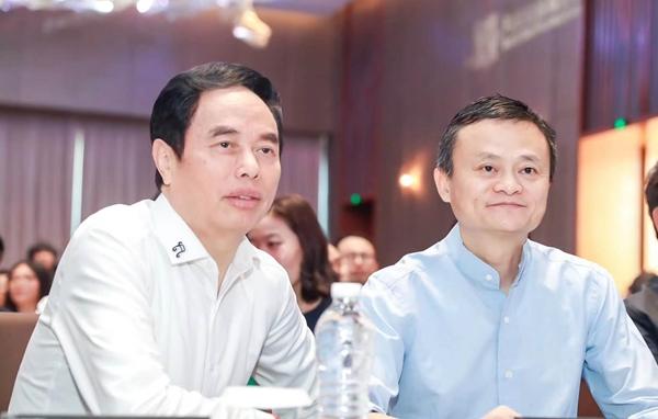 农村是中国教育突破口 波司登携手马云助力乡村教育