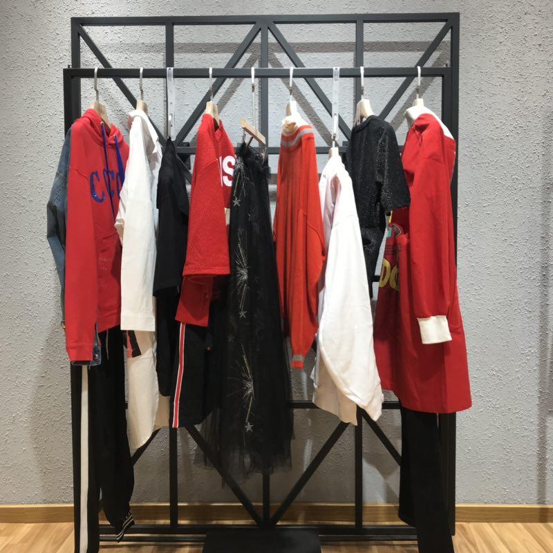 亮点国际LIVEWIRE品牌女装一手货源走份批发