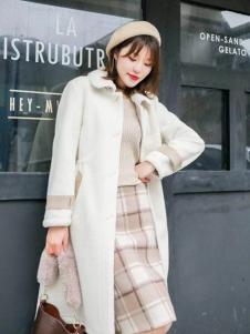 美兰娇丽秋冬时尚两件套