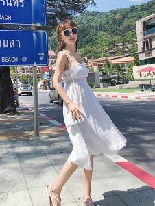 朵维思女装白色吊带时尚连衣裙