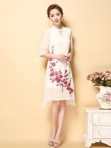 茗婉依格女装白色印花直筒连衣裙