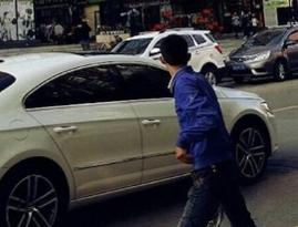 春节特供·小镇青年:再见,小镇商业街