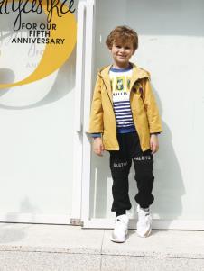 2019芭乐兔男童黄色外套