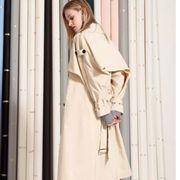 备受追捧莎斯莱思广州女装,一件简单的风衣就能穿出强大气场!