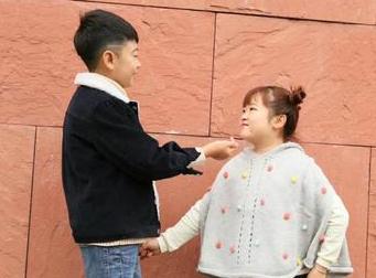 身高一米三的80后夫妻卖童装 收到了马云祝福