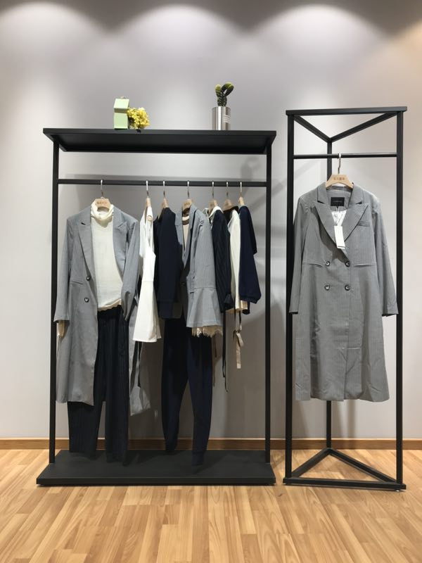 TheOneattitude品牌2019春季女装一手货源厂家直销