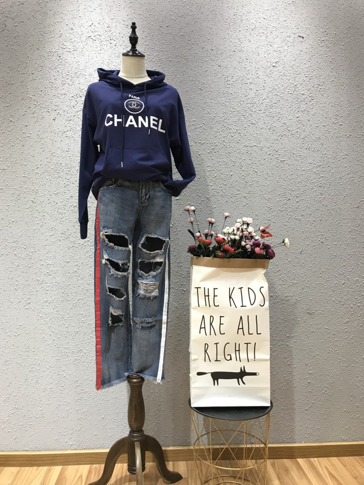 依路凯品牌宽牛仔裤一手货源批发