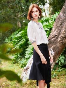 2019樊羽女装黑色半裙