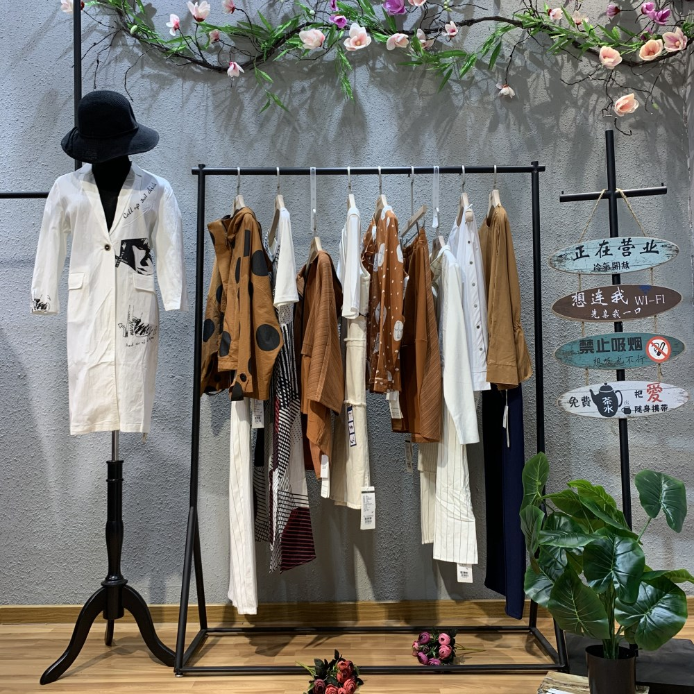 嘉彩品牌2019春裝棉麻系列女裝走份