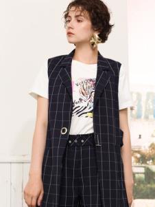 betu百图女装格纹时尚两件套