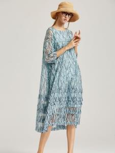 墨曲蓝色连衣裙