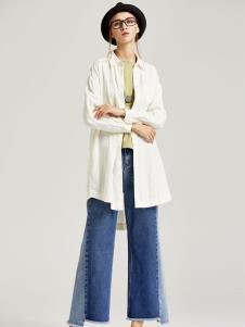 墨曲女装白色外套