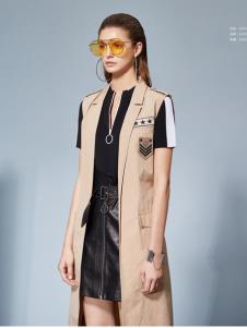 2019丽芮女装时尚两件套