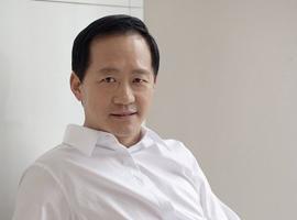 """时尚集团董事长刘江突发疾病去世 被称""""中国时尚教父"""""""