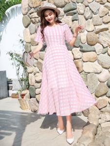 EI女装粉色连衣裙19新款