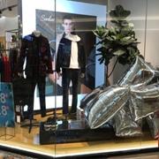 男装哪个牌子好?广州莎斯莱思时尚男装,新一代的男装加盟品牌