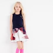 小女孩裙装怎么穿好看 可米芽童装质量如何