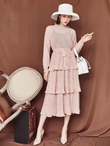 搜美女装粉色连衣裙