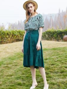 2019安卡茜女装文艺套装裙