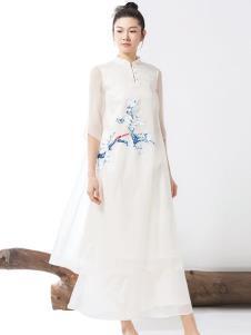 见花开白色连衣裙